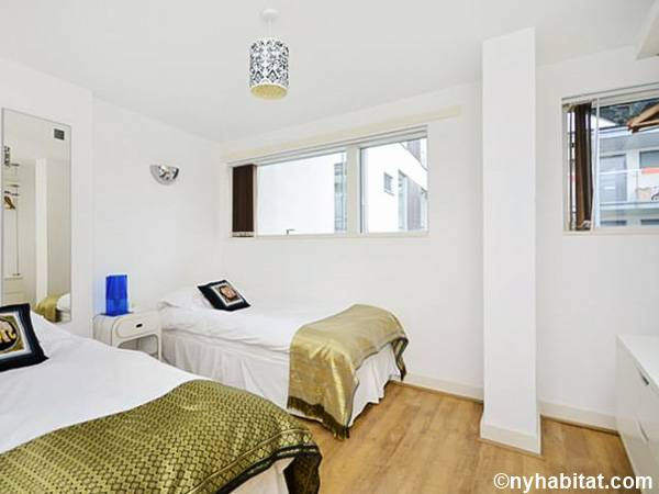 London 3 Bedroom accommodation - bedroom 2 (LN-434) photo 1 of 1
