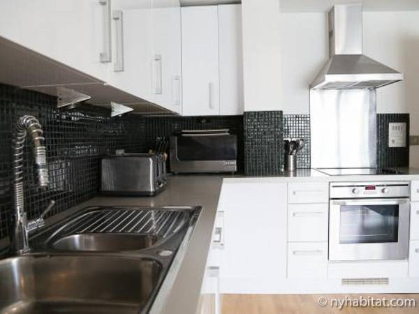 London 3 Bedroom accommodation - kitchen (LN-434) photo 1 of 2