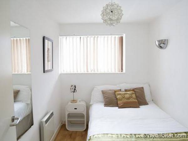London 3 Bedroom accommodation - bedroom 3 (LN-434) photo 1 of 2