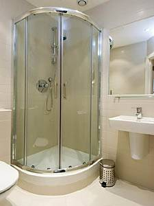 London Studio accommodation - bathroom (LN-471) photo 1 of 1