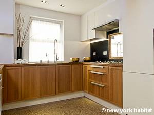 London 3 Bedroom - Triplex accommodation - kitchen (LN-475) photo 1 of 3