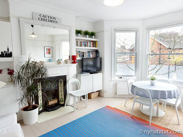 London 2 Bedroom   Duplex apartment   living room  LN 486  photo 1. London Apartment  2 Bedroom Duplex Apartment Rental in North