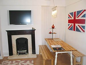 London 3 Bedroom - Duplex accommodation - living room (LN-500) photo 3 of 5