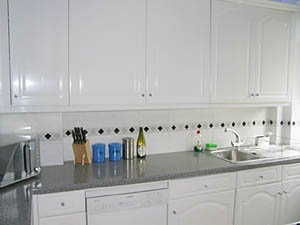 London 3 Bedroom - Duplex accommodation - kitchen (LN-500) photo 2 of 3