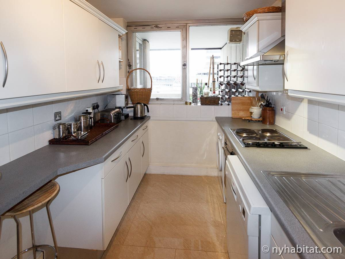 London 2 Bedroom accommodation - kitchen (LN-528) photo 1 of 4