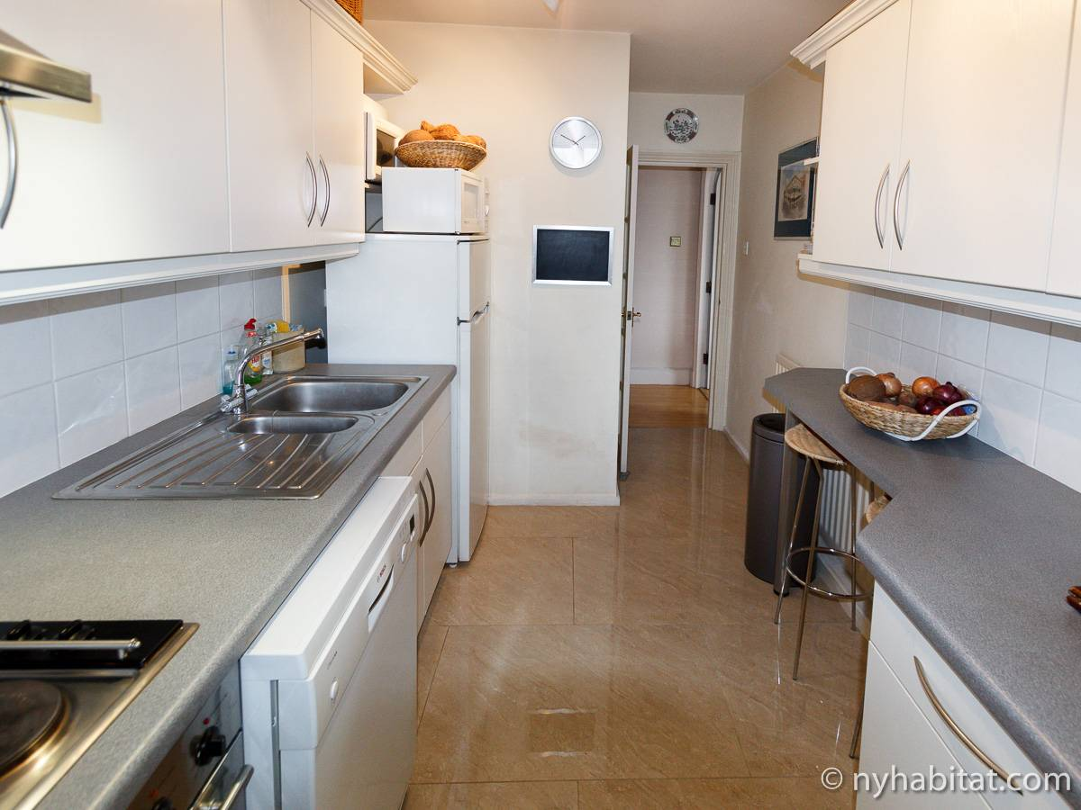 London 2 Bedroom accommodation - kitchen (LN-528) photo 4 of 4