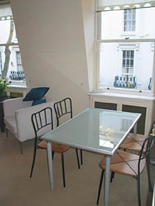 London 2 Bedroom - Duplex apartment - living room (LN-529) photo 4 of 4