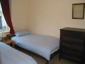 London 2 Bedroom - Duplex apartment - bedroom 2 (LN-529) photo 2 of 2