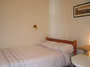 London 2 Bedroom - Duplex apartment - bedroom 1 (LN-529) photo 1 of 3