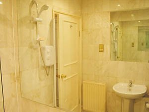 London 2 Bedroom - Duplex apartment - bathroom (LN-529) photo 4 of 4