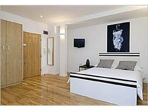 Londres Studio T1 logement location appartement - séjour (LN-538) photo 2 sur 2