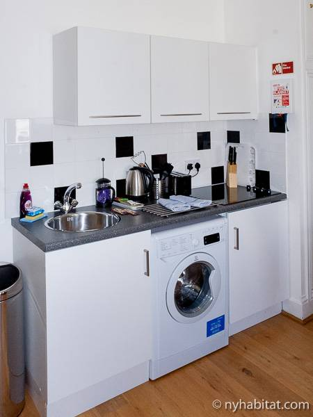 London Studio accommodation - kitchen (LN-547) photo 1 of 1