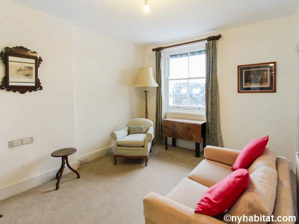 London 2 Bedroom apartment - living room (LN-591) photo 1 of 8
