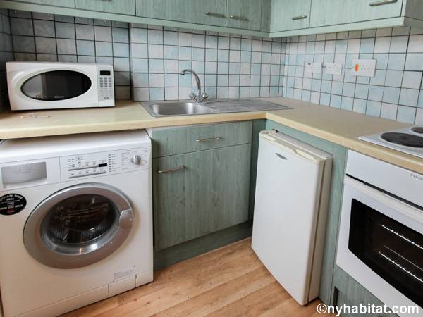 London 2 Bedroom apartment - kitchen (LN-591) photo 1 of 4