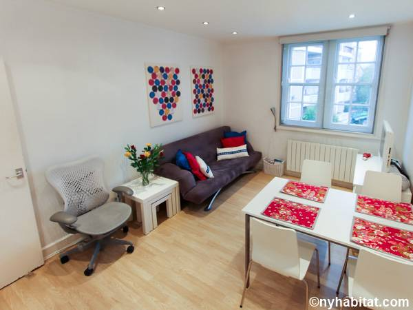 London 1 Bedroom accommodation - living room (LN-663) photo 1 of 2