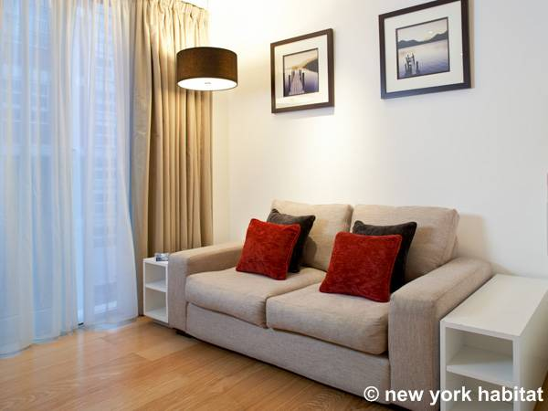 London Alcove Studio accommodation - living room (LN-695) photo 2 of 5