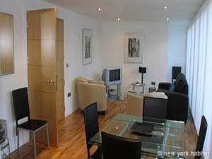 London 2 Bedroom accommodation - living room (LN-726) photo 1 of 1