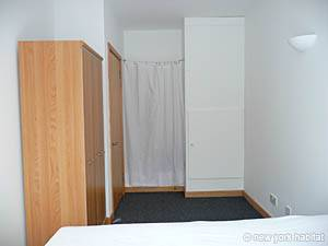 London 1 Bedroom apartment - bedroom (LN-750) photo 2 of 2