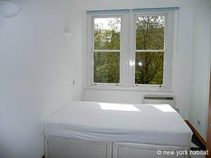 London 1 Bedroom apartment - bedroom (LN-750) photo 1 of 2
