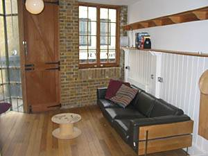 London 1 Bedroom accommodation - living room 1 (LN-865) photo 1 of 5