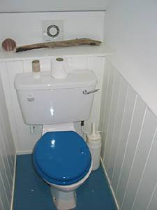 London 1 Bedroom accommodation - bathroom (LN-865) photo 4 of 5