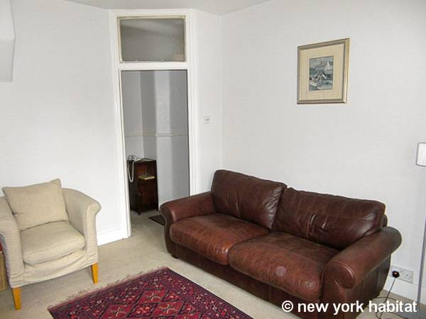 London 1 Bedroom accommodation - living room (LN-947) photo 2 of 6