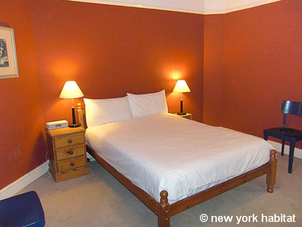 London 1 Bedroom accommodation - bedroom (LN-947) photo 2 of 6