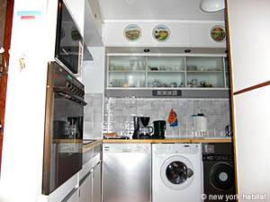 London 1 Bedroom accommodation - kitchen (LN-950) photo 1 of 3