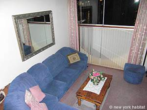 London 1 Bedroom accommodation - living room (LN-950) photo 1 of 5