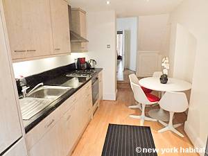 London 1 Bedroom accommodation - kitchen (LN-1051) photo 2 of 2