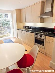 London 1 Bedroom accommodation - kitchen (LN-1051) photo 1 of 2