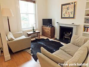 London 1 Bedroom accommodation - living room (LN-1051) photo 1 of 4