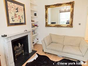 London 1 Bedroom accommodation - living room (LN-1051) photo 4 of 4