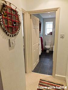 London 2 Bedroom - Duplex accommodation - bathroom (LN-1054) photo 1 of 3