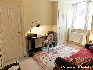 London 2 Bedroom - Duplex accommodation - bedroom 2 (LN-1054) photo 1 of 3
