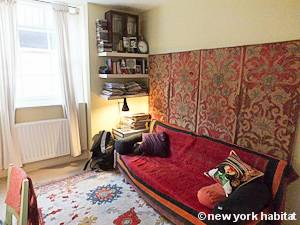 London 2 Bedroom - Duplex accommodation - bedroom 2 (LN-1054) photo 2 of 3