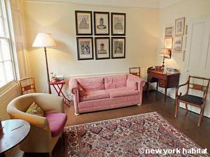 London 2 Bedroom - Duplex accommodation - living room (LN-1054) photo 4 of 5