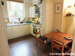 London 2 Bedroom - Duplex accommodation - kitchen (LN-1054) photo 2 of 5