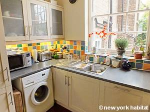 London 2 Bedroom - Duplex accommodation - kitchen (LN-1054) photo 4 of 5