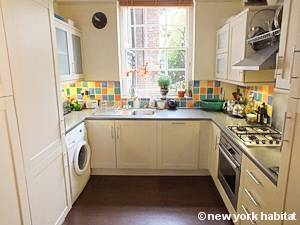 London 2 Bedroom - Duplex accommodation - kitchen (LN-1054) photo 5 of 5