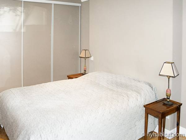 London 3 Bedroom - Duplex accommodation - bedroom 1 (LN-1059) photo 4 of 4