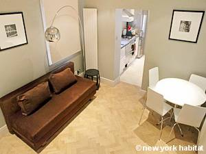 London 2 Bedroom accommodation - living room (LN-1067) photo 2 of 2