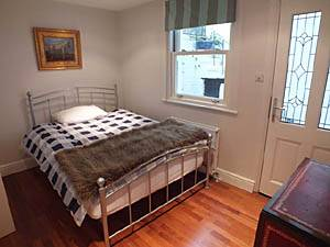London 2 Bedroom apartment - bedroom 2 (LN-1075) photo 2 of 3
