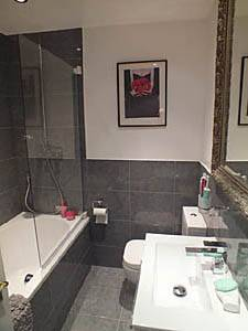 London 2 Bedroom apartment - bathroom (LN-1075) photo 3 of 3