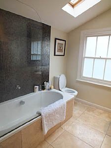 London 2 Bedroom accommodation - bathroom (LN-1085) photo 1 of 4