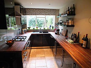 London 2 Bedroom accommodation - kitchen (LN-1085) photo 1 of 4