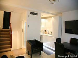 London 2 Bedroom - Duplex accommodation - living room (LN-1120) photo 4 of 4
