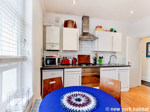 London 2 Bedroom accommodation - kitchen (LN-1126) photo 1 of 2