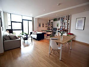 London 2 Bedroom accommodation - living room (LN-1130) photo 1 of 5