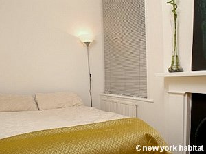 London 1 Bedroom apartment - bedroom (LN-1161) photo 1 of 1